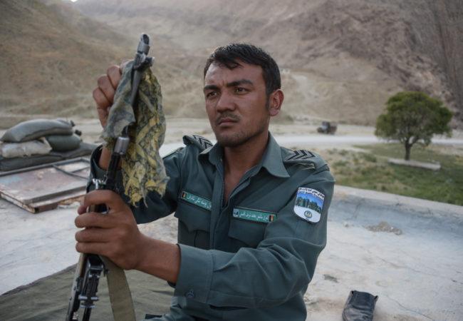 afghan police oils gun