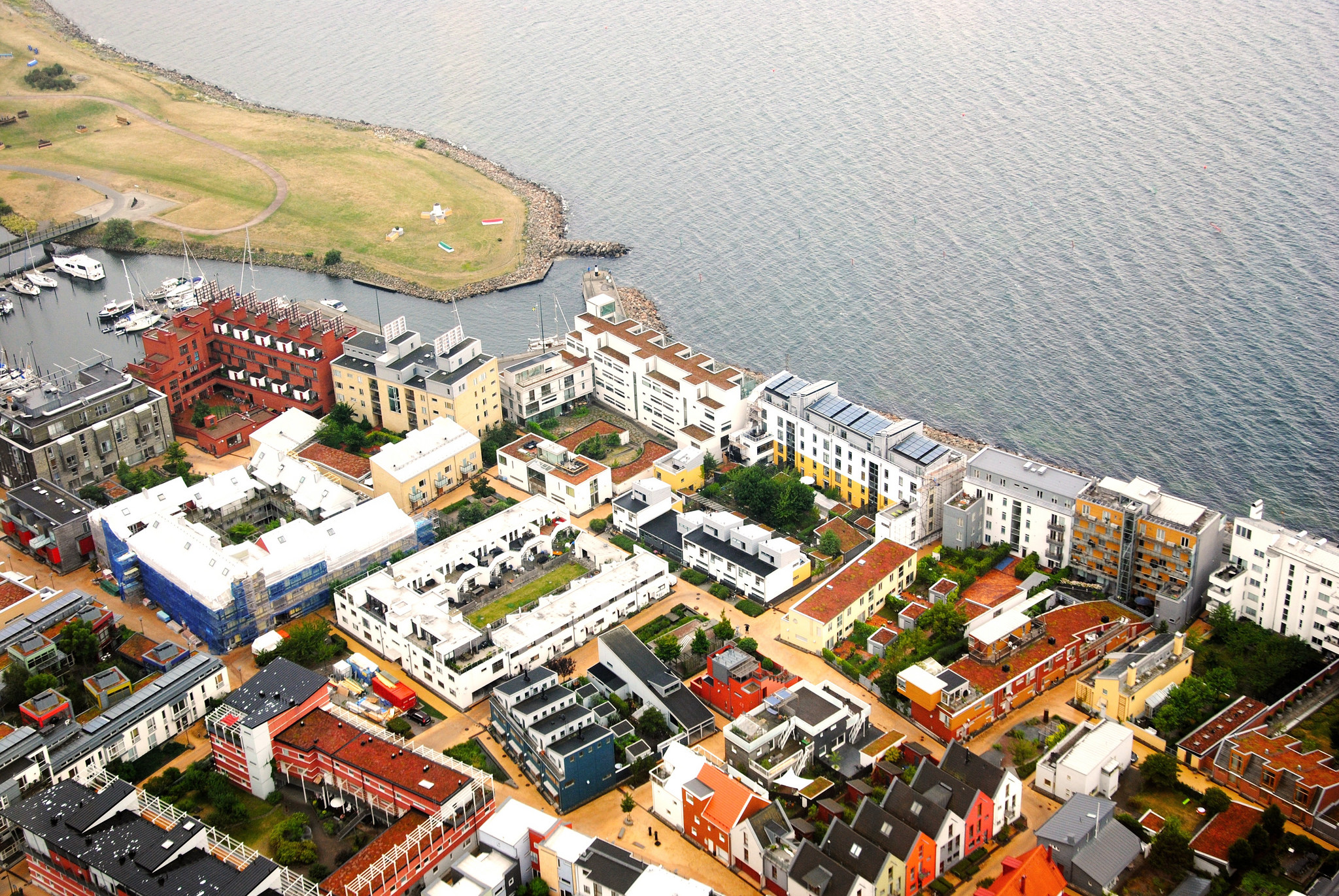 Västra Hamnen is the first carbon-neutral district in the world, meaning that it is completely powered by renewable energy. (Photo by Maria Eklind/Flickr User)