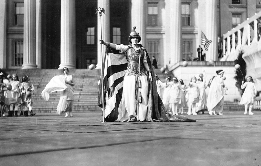 "Hedwig Reicher, a German actor, wears a ""Columbia"" costume during the 1913 Suffragist Parade. (Photo via Library of Congress)"