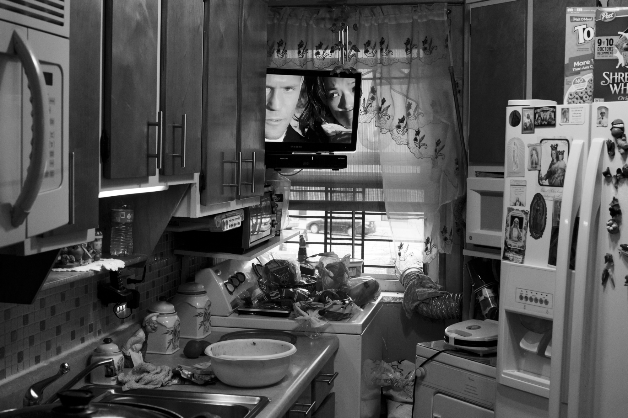 An empty kitchen in the Leons' apartment, Feb. 17, 2016, Patterson Projects, Mott Haven, New York. (Photo by Sarah Blesener/GroundTruth/Alexia Foundation)