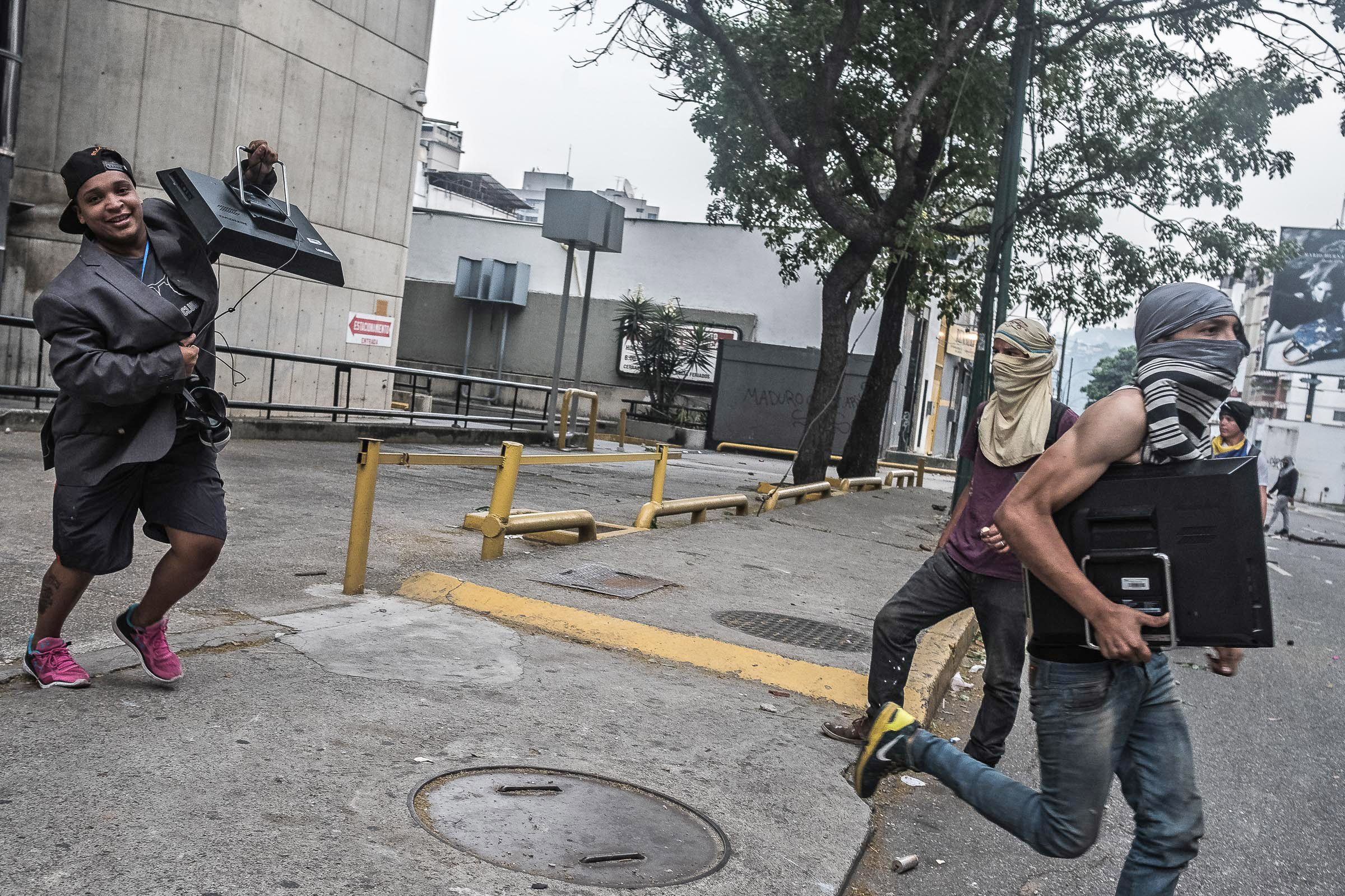 April 19, 2017 Caracas, Venezuela (Photo by Joris van Gennip /GroundTruth)