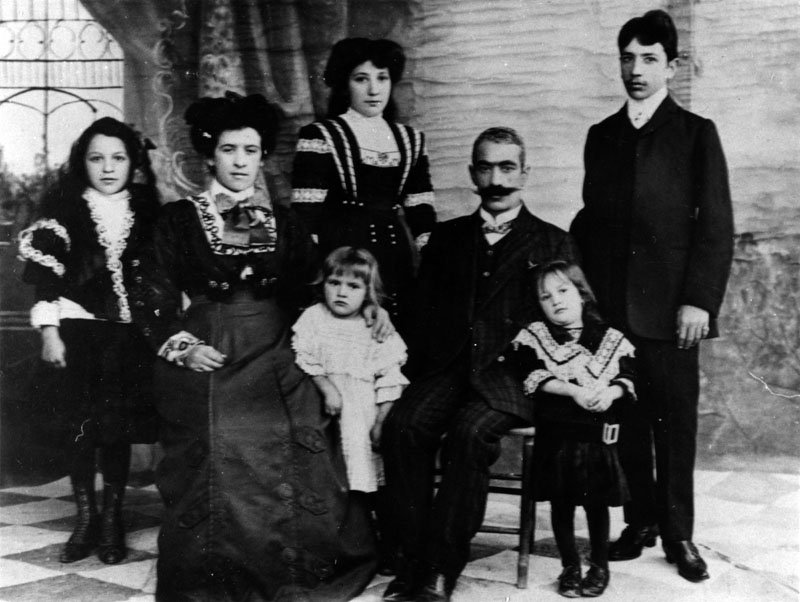 Portrait of the Gazarian family in Boston, 1908. Ted Gazarian (right) was the first Armenian graduate at MIT. (Photo from Wikimedia Commons)