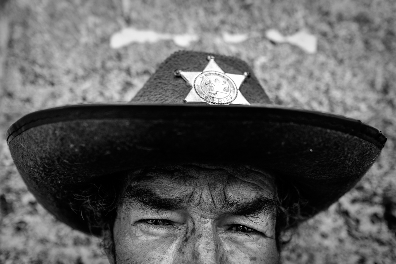 Lázaro Duque Marín, one of the regulars on La Carrera Séptima, poses for a portrait on Sept. 5 2016. (Juan Cristóbal Cobo/The GroundTruth Project)