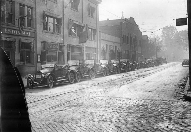 Virginia Street at McFarland Street, circa 1912. The Charleston Daily Mail, at left, moved across the street in 1927 into the building it currently occupies. (Archival image from Charleston Gazette-Mail / Courtesy of James D. Scarbro Jr.)