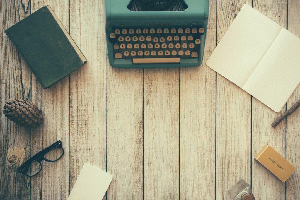 Typewriter (Pixabay)