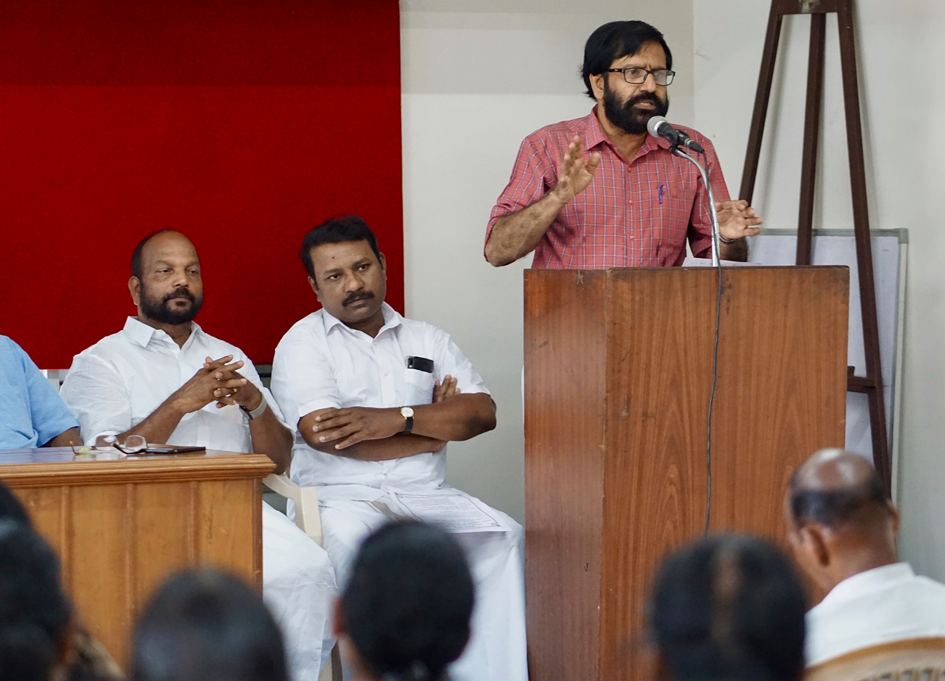 K.P. Ramanunni gives a speech honoring a Dalit leader in Kozhikode. (Photo by Krishna Narayanamurti)